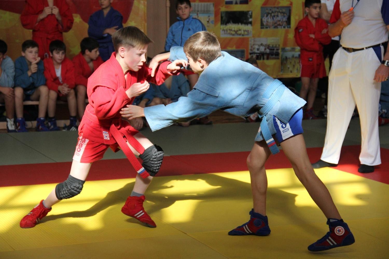 Ставропольские самбисты завоевали 17 наград в Нальчике