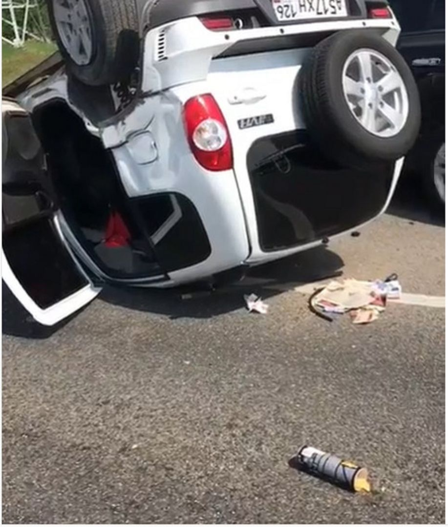 ВПятигорске перевернулся джип , пострадал шофёр