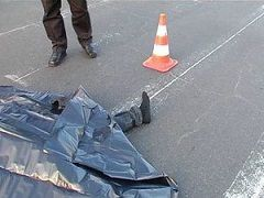 Водитель, сбив пешехода, протаранил магазин