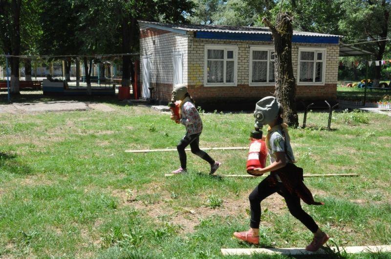 На Ставрополье в летних лагерях проходит акция «Детский лагерь — территория БЕЗопасности»