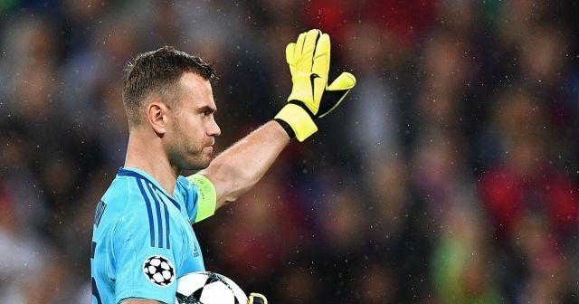Сборная России по футболу со счётом 3:0 уступила Уругваю