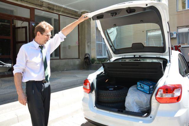 Автопарк службы «Социальное такси» в Ставрополе пополнился новым автомобилем