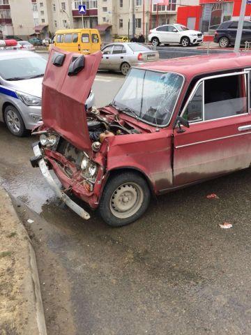 В Ставрополе легковушка врезалась в маршрутку, пострадали пять человек
