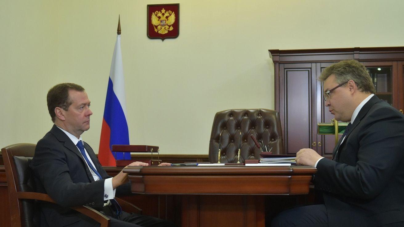 Д. Медведев поддержал строительство теплиц наСтаврополье