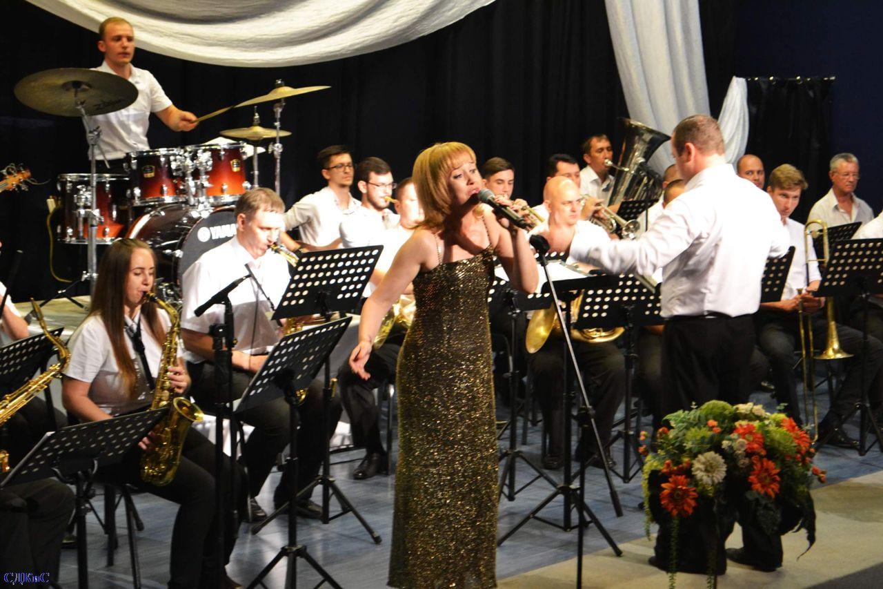 Оркестр имени Осиновского поздравил ставропольцев с юбилеем города