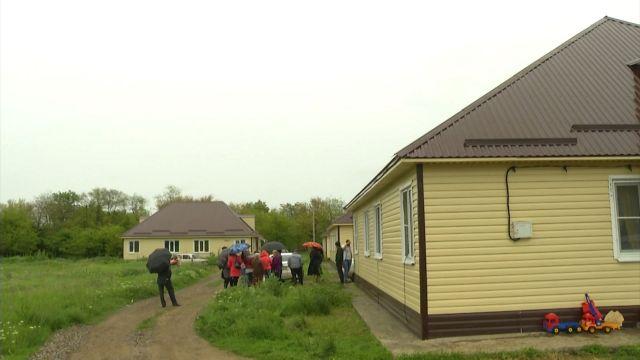 Квартиры для детей-сирот в станице Лысогорской приведут в порядок