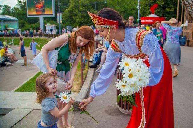 Ставропольцев ждёт насыщенная программа мероприятий, посвящённых Дню семьи, любви и верности