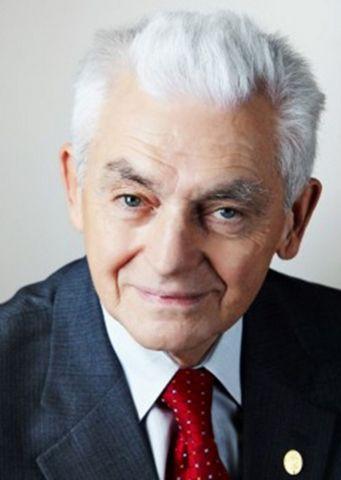 ВСтаврополе увековечили память выдающегося врача-офтальмолога Льва Чередниченко