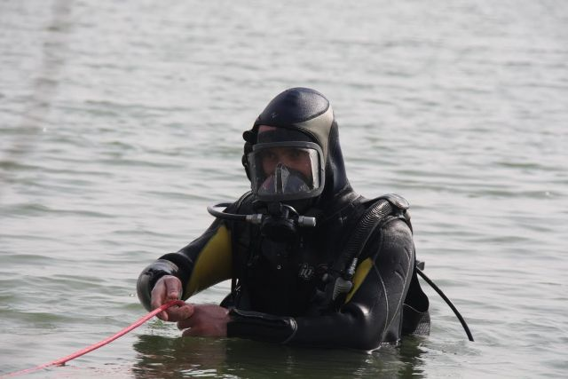 На Ставрополье водолазы достали из озера тело утонувшего купальщика