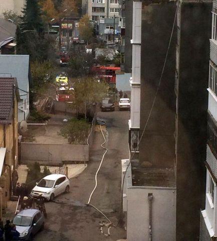 В Ставрополе пожарные не могли проехать к месту происшествия из-за припаркованного автомобиля