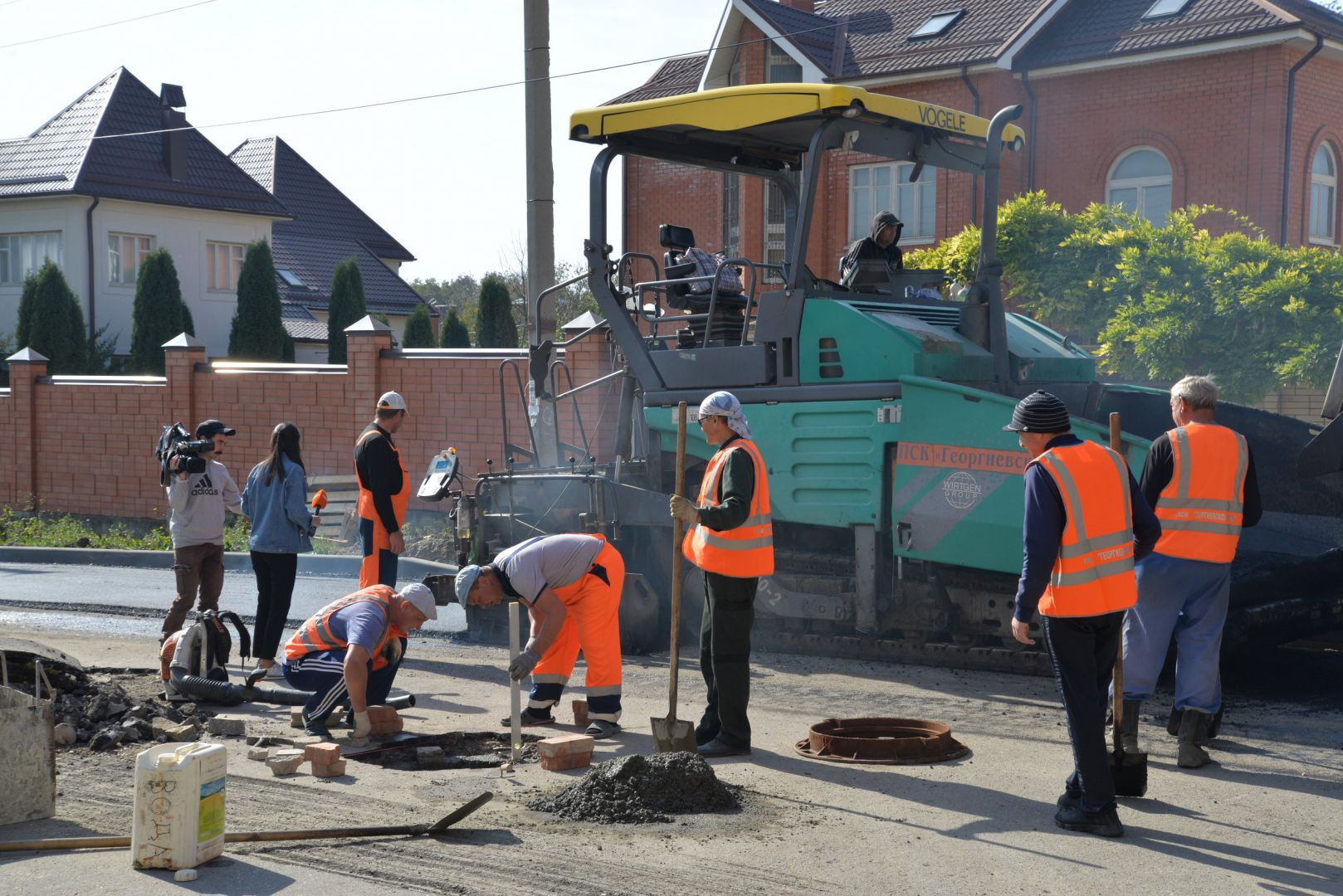 В Ессентуках спецкомиссия проверила качество дорожного ремонта на нескольких улицах