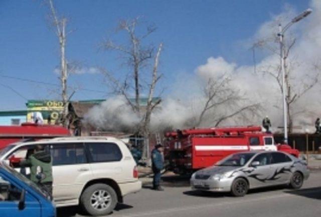 В Ставрополе загорелся торговый павильон