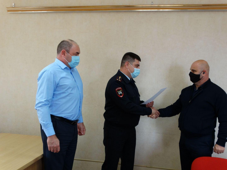 В Георгиевском округе лучшие водители получили благодарность от дорожной полиции