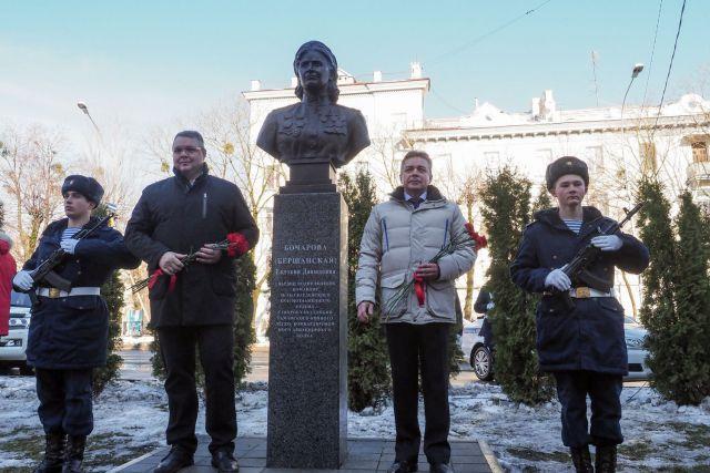 В Ставрополе открыт памятник командиру легендарных «ночных ведьм»