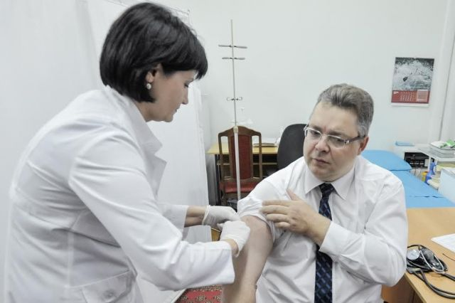 Вакцинация: сто тысяч ставропольчан уже сделали прививку от гриппа