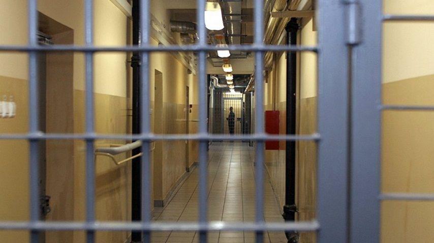 Парня из Железноводска осудили за развращение несовершеннолетней