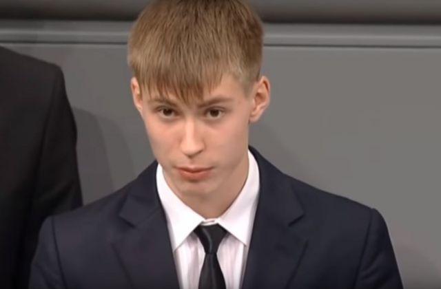 Скандальный доклад школьника в бундестаге стал причиной бурных споров ставропольцев