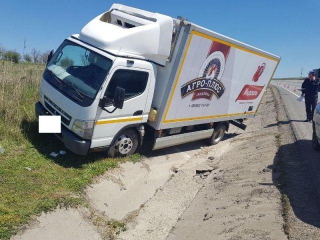 Водитель пострадал во время ремонта грузовика на Ставрополье