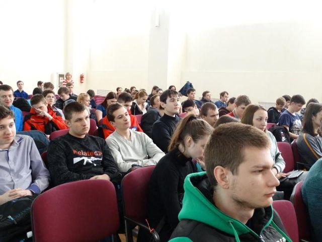 В ставропольском колледже связи полицейские провели лекцию по профилактике экстремизма и терроризма