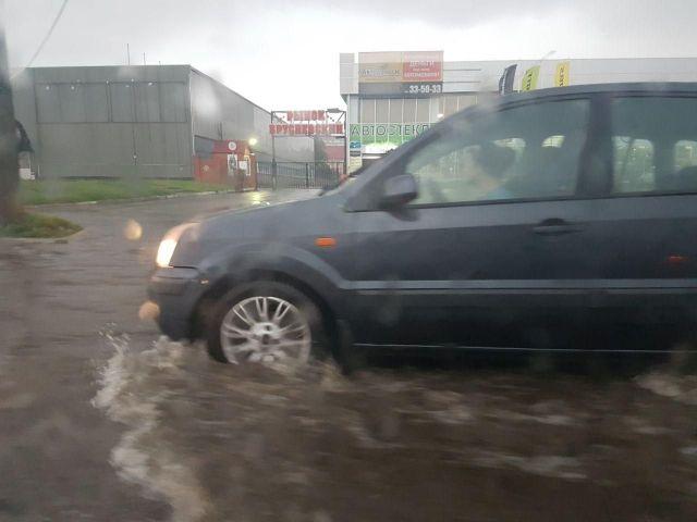 В Ставрополе из-за ливня затопило ряд улиц