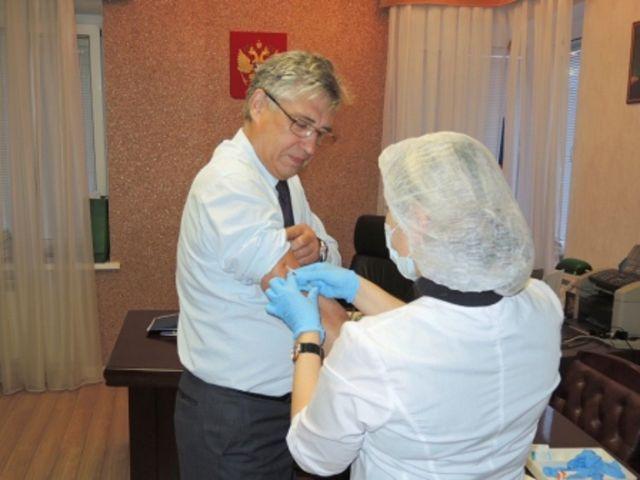 Около 300 тысяч ставропольцев сделали прививку от гриппа