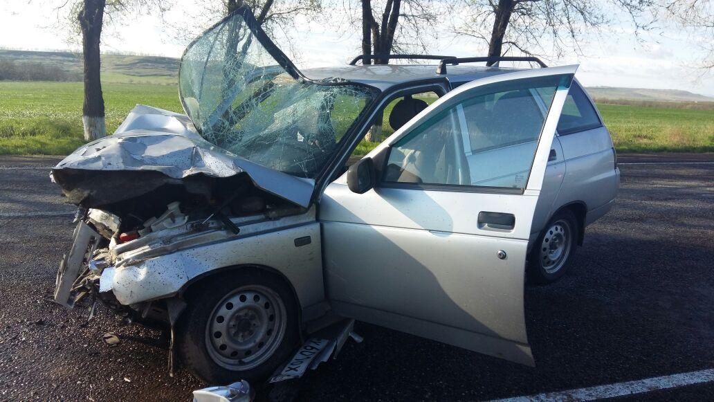 НаСтаврополье при столкновении ВАЗ ииномарки пострадали 5 человек