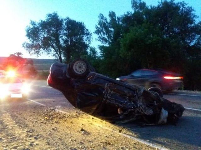 Вблизи Ставрополя столкнулись три автомобиля, пострадали три человека