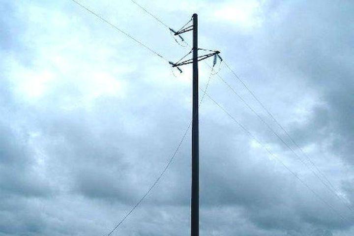 В четырёх населённых пунктах Ставрополья из-за сильного ветра нарушено электроснабжение