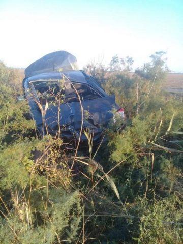 В Ставропольском крае перевернулась легковушка, два человека погибли