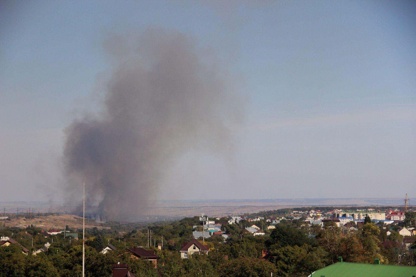 ВСтаврополе пожарные 6 часов тушили загоревшийся сухостой