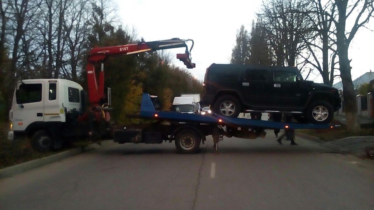 НаСтаврополье должник несмог утаить отсудебных приставов собственный Hummer