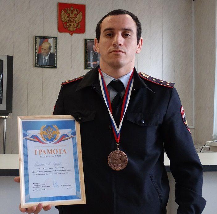 Ставрополец завоевал бронзу в чемпионате МВД России по рукопашному бою