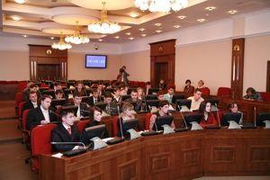 Молодые парламентарии представили проект закона о защите нравственности