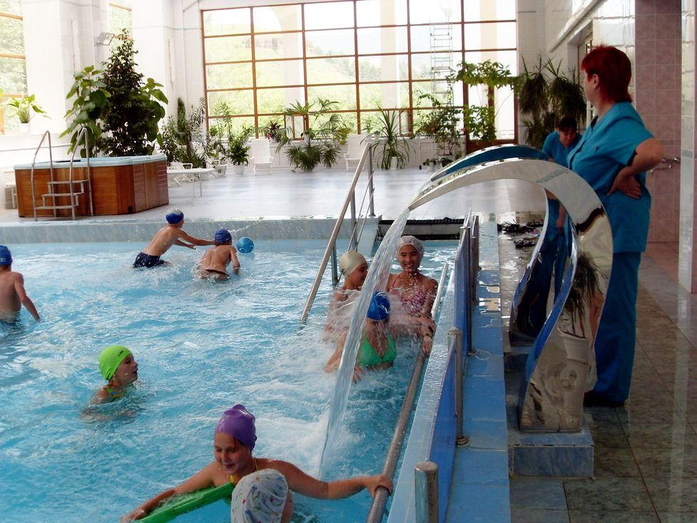 В Кисловодске гидрореабилитацию получат дети из всех уголков России