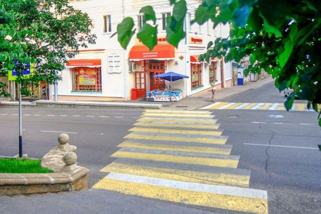 Въезд автотранспорта в пешеходные зоны будет ограничен во всех крупных городах края
