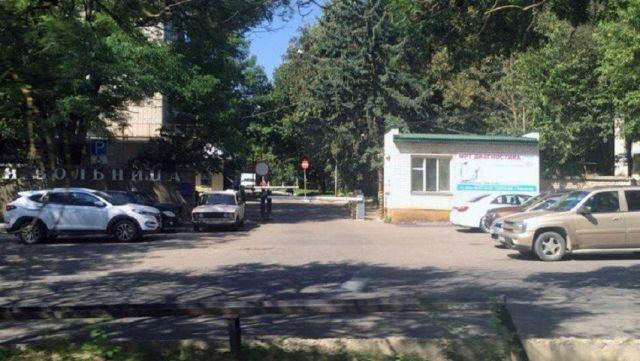 Мэрия Ставрополя: парковка возле 2-й больницы не станет платной