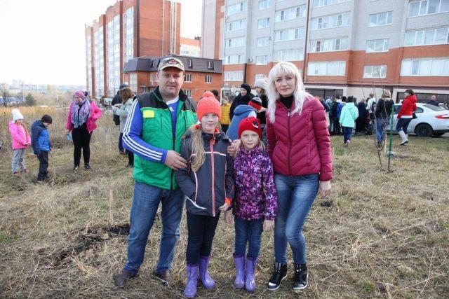 На территории урочища «Мутнянка» ставропольцы высадили около 100 деревьев