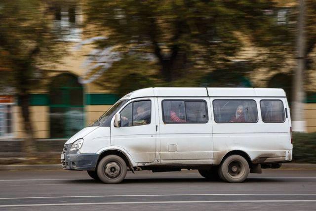 На Ставрополье водитель микроавтобуса возил людей к морю на неисправном авто