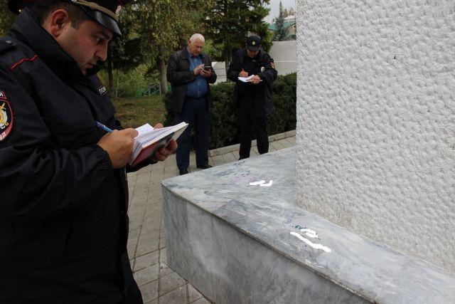 Найдены вандалы, разрисовавшие мемориал «Огонь Вечной Славы» в Михайловске