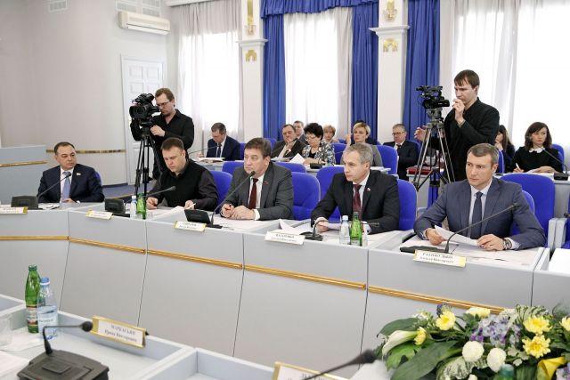 На Ставрополье повысятся оклады врачей, персонала бюджетных учреждений здравоохранения, работников культуры
