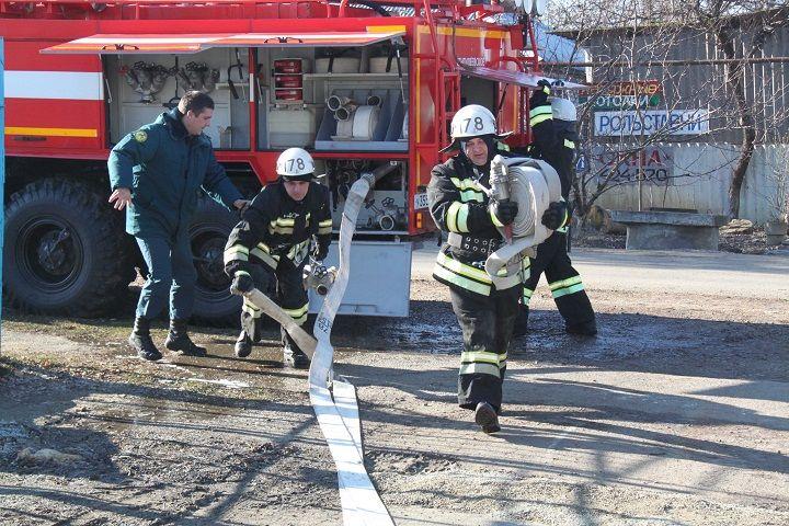 Ставропольские пожарные становятся положительным примером для воспитанников школы-интерната