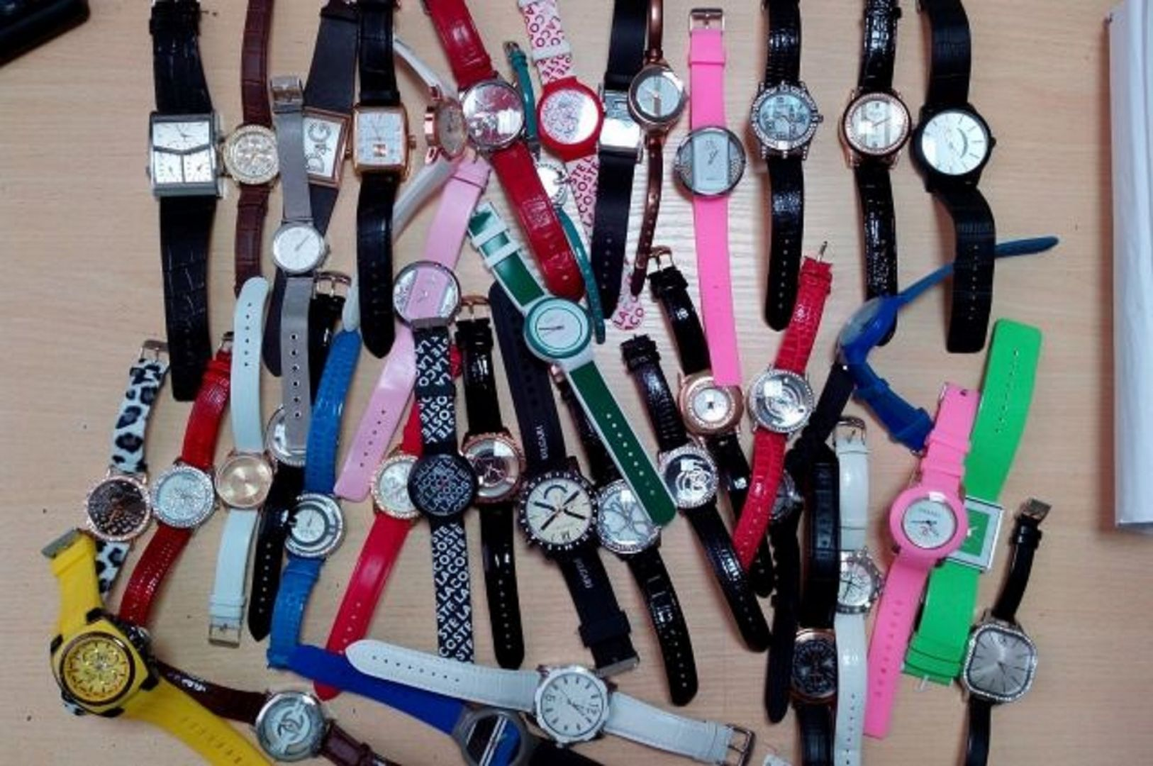 У продавца на Ставрополье изъяли поддельные часы на миллион рублей