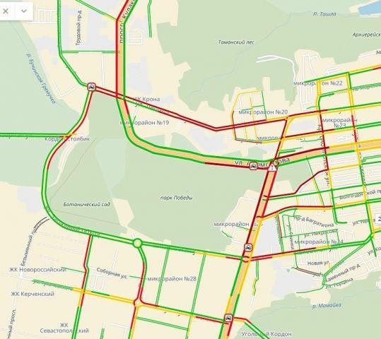 В Юго-Западном районе Ставрополя сильно затруднено движение транспорта