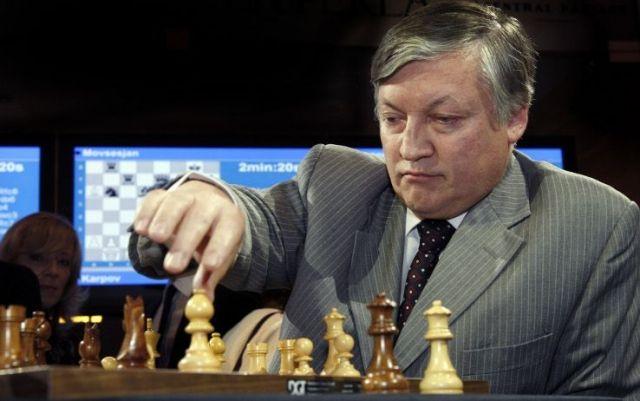 Тюремщик из Ставрополя сыграл вничью с чемпионом мира по шахматам Анатолием Карповым