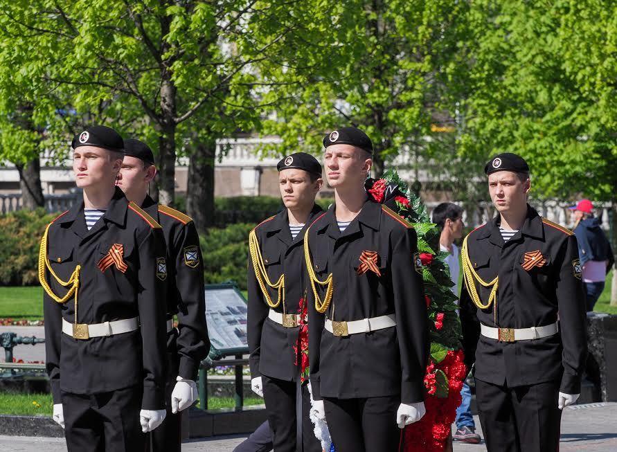 Ставропольские юнармейцы заступили в почётный караул у Кремлёвской стены