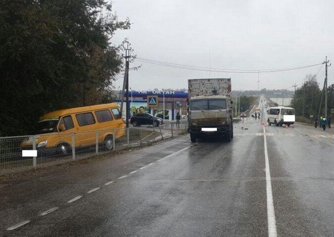 НаСтаврополье столкнулись автобус, маршрутка и фургон