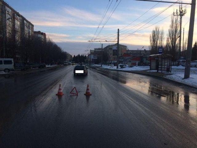 В Ставрополе под колёса автомобиля попала 75-летняя пенсионерка