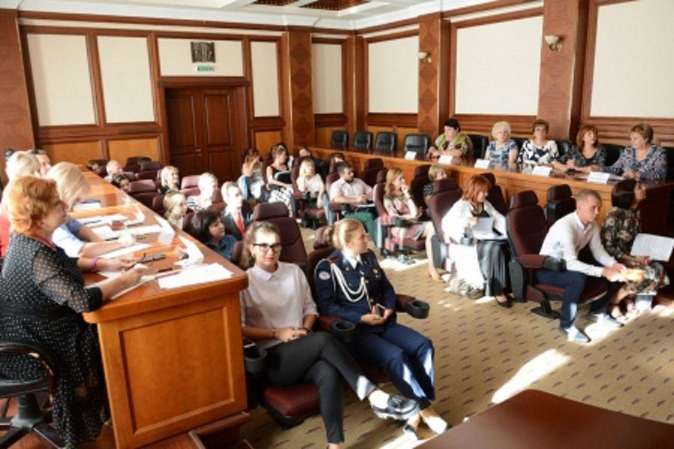 В Ставрополе прошёл первый этап нового кадрового проекта «Хочу стать директором школы»