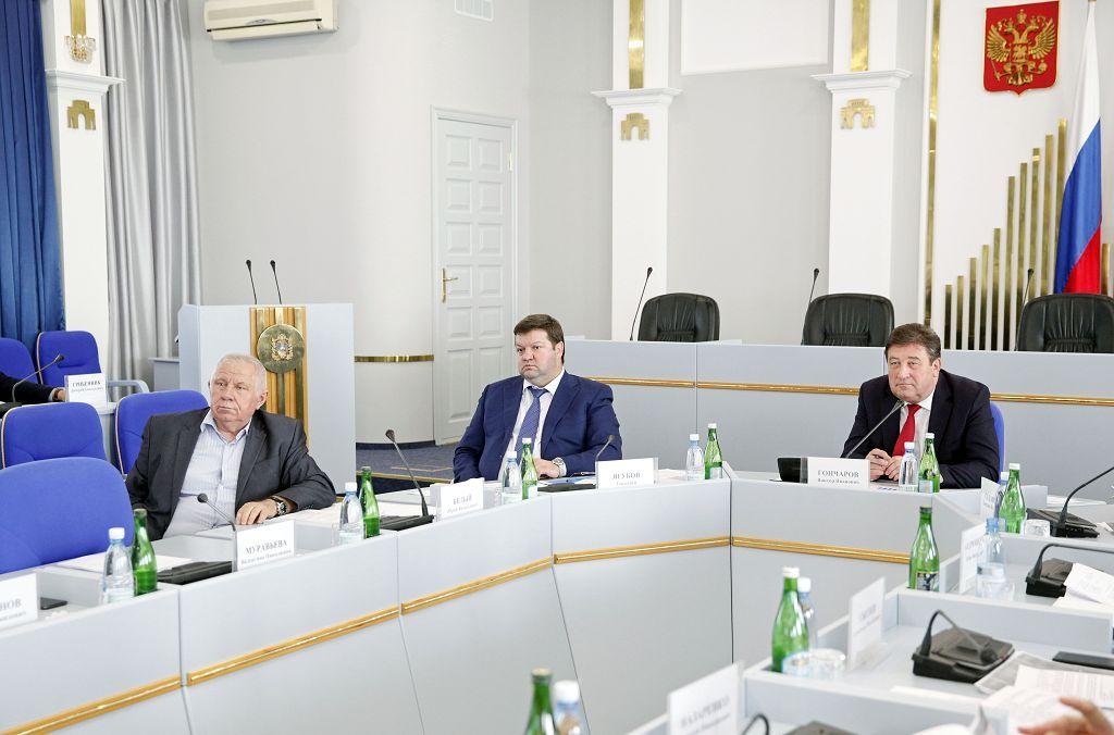 Депутаты Думы края обсудили работу ресурсоснабжающих предприятий края