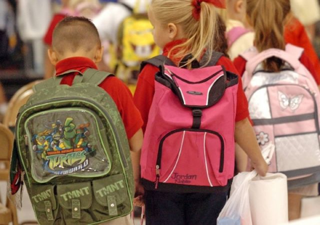 Школы Ставрополья накажут за тяжёлые рюкзаки и физкультуру по утрам